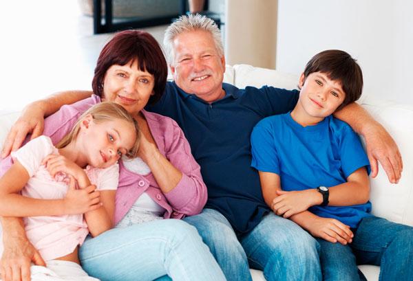 lo que realmente hace felices a los mayores es lo más sencillo
